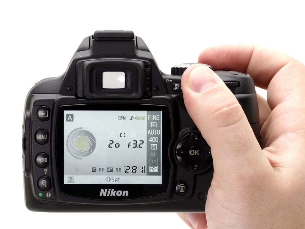 期刊论文 千万像素尼康d40x数码单反相机测评 - 照相机 -  2007 ( 5 )