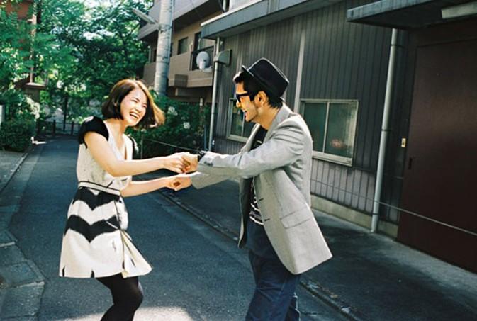 未来酱是摄影师川岛小鸟的朋友的女儿,住在佐渡岛.