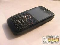塞班全键盘手机 诺基亚 E63现售580元