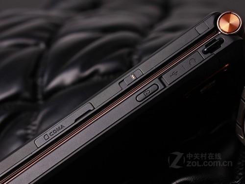 最贵手机 烟台三星W2013奢华旗舰新代表-三星