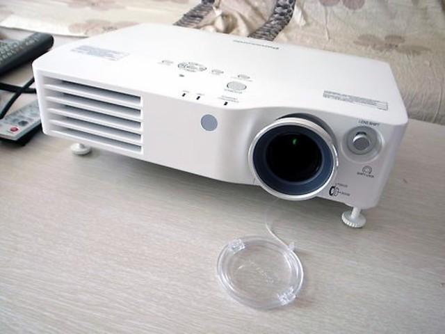 高清 松下高清投影仪AX100E 仅10099