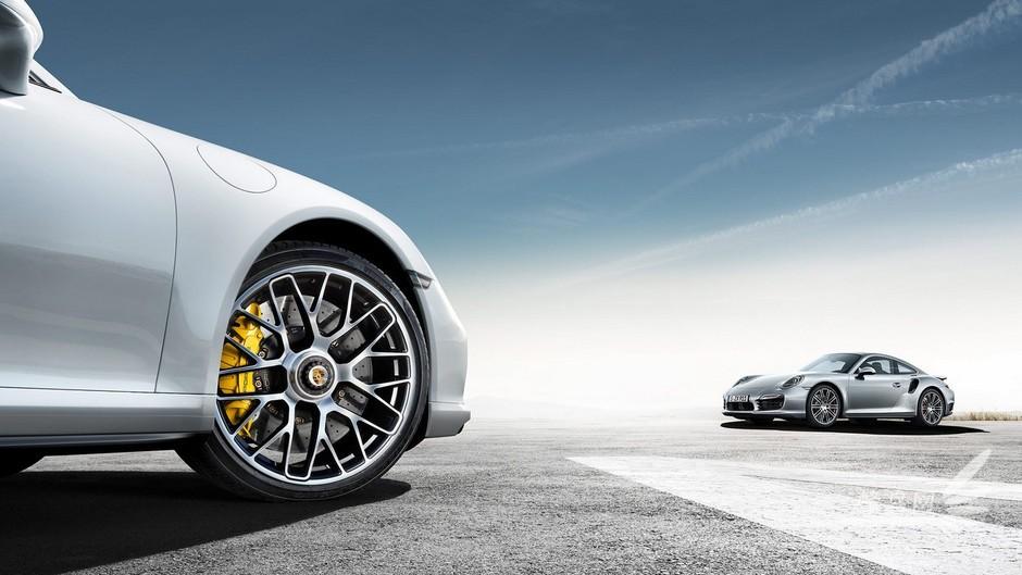 3.1秒破百:2014款保时捷 911 turbo s 组图