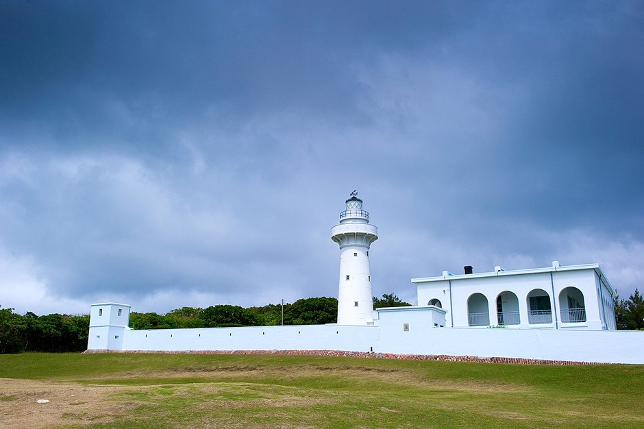 鹅銮鼻公园内的灯塔,位于台湾最南端