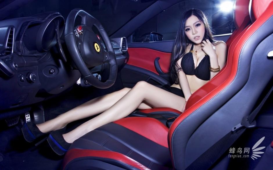 法拉利458与长腿美女的故事 红与黑的诱惑