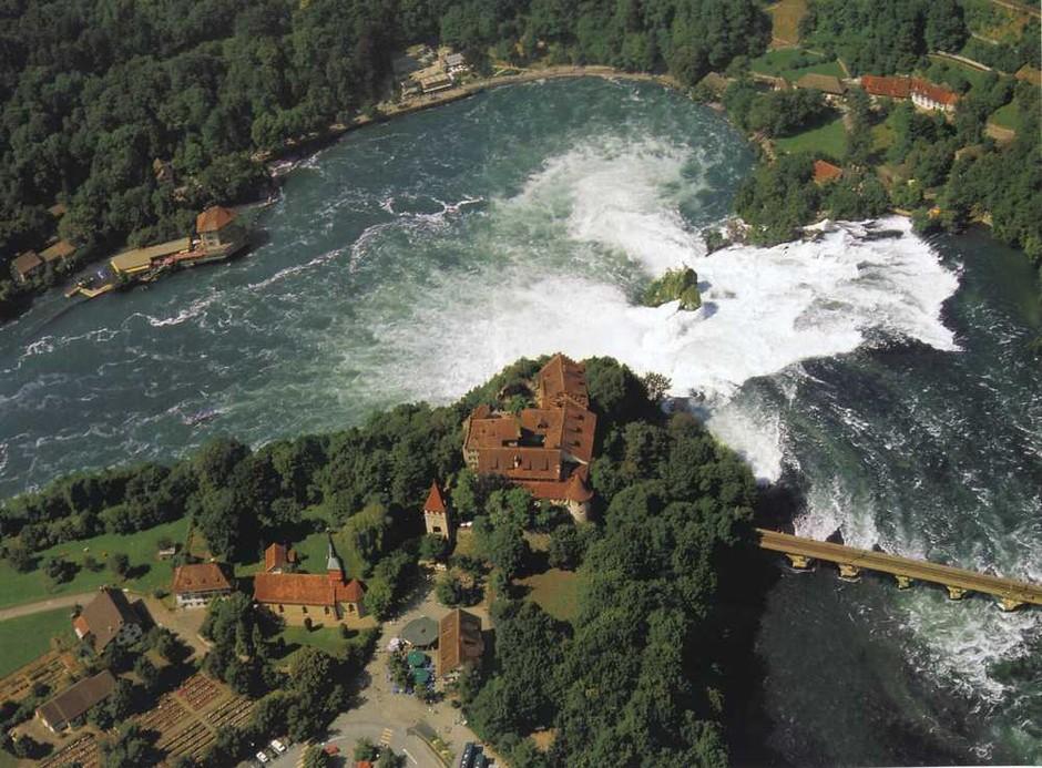 瀑布是世界上最壮观的自然景观之一