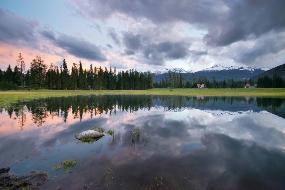 夏季同样美如画 新疆阿勒泰绝美风光图赏 组图