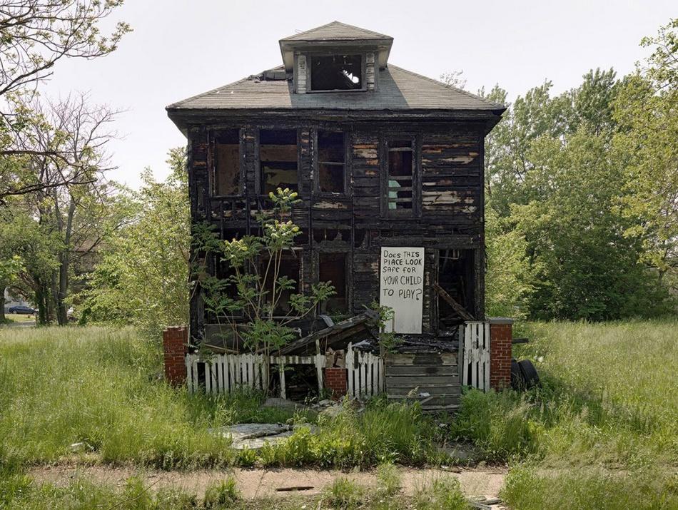 汽车城之死 摄影师拍美国底特律衰败景象 组图