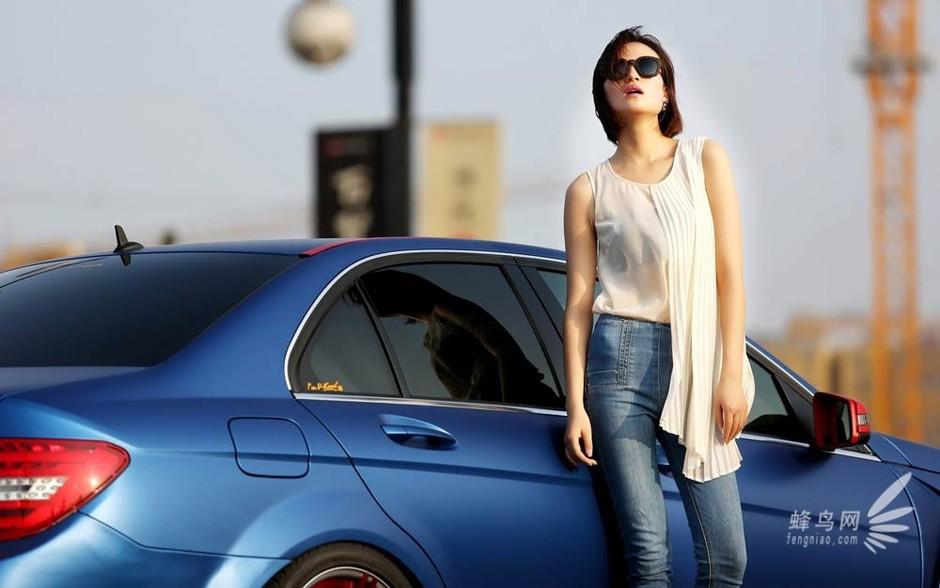 网友自拍 奔驰c260改装车与靓丽模特套图 第7张