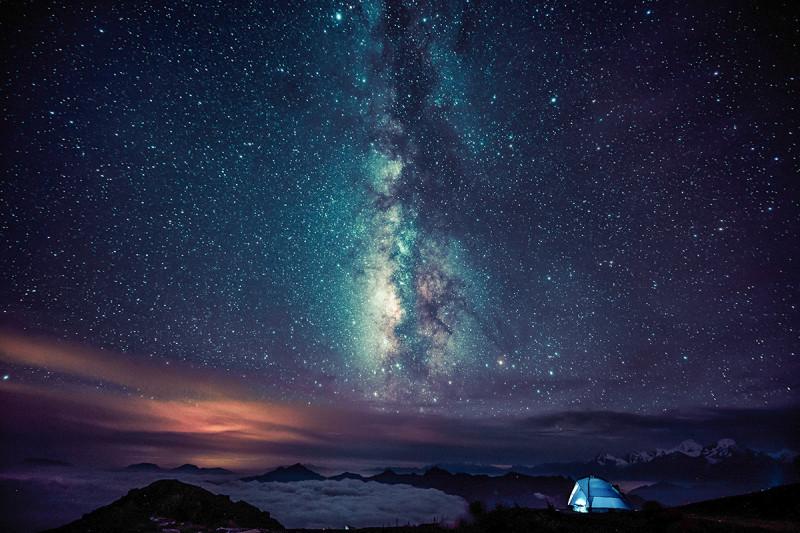 星空_牛背山夜宿星空下雨季牛背山惊险之旅云海星