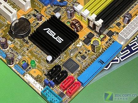华硕首款DVI接口AMD 690G主板批量上市