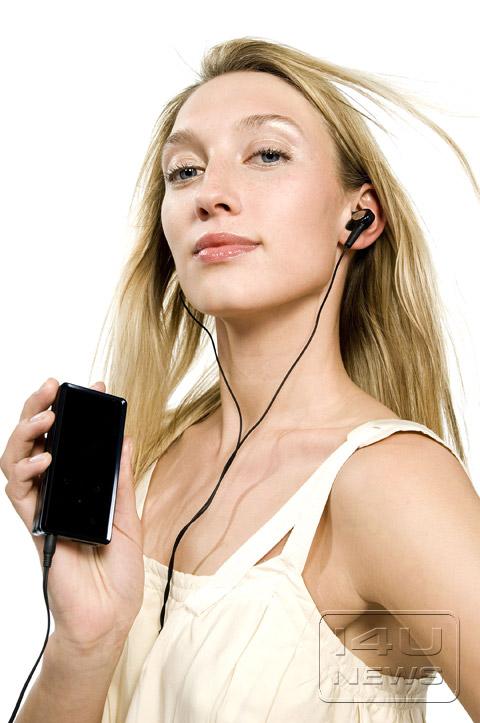 三星k5播放器与德国美女模特的时尚秀 竖