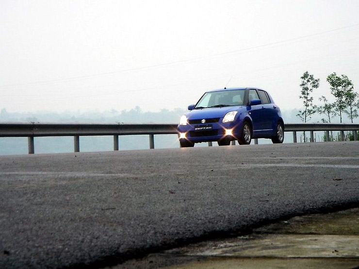 长安铃木 雨燕1.3mt 超豪华型酷图欣赏 长安铃木国产汽车图片高清图片