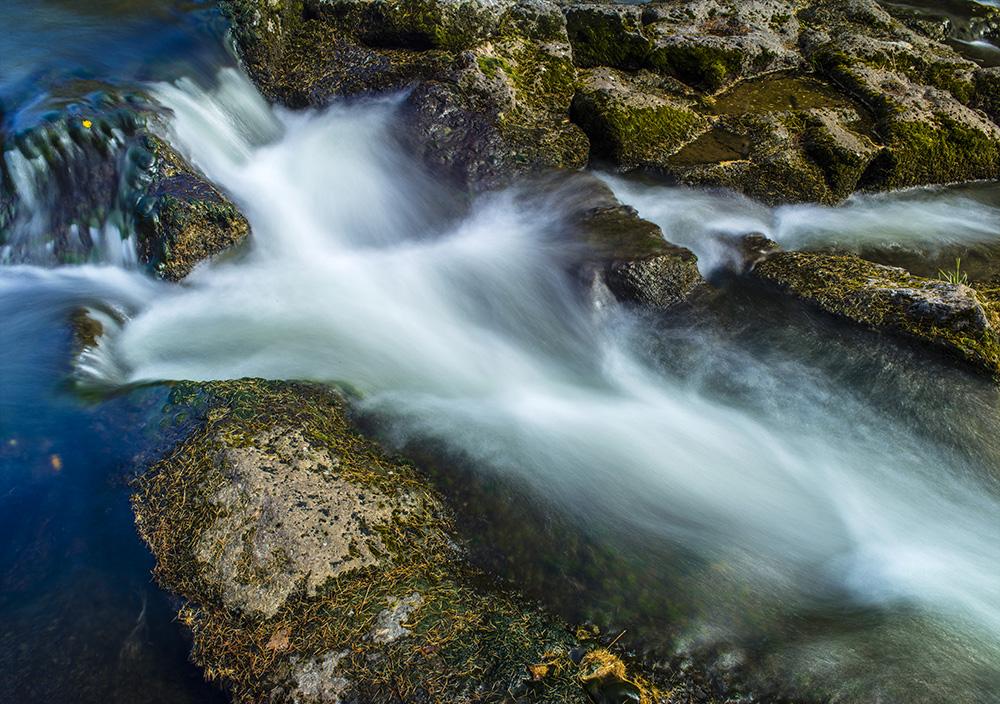 壁纸 风景 旅游 瀑布 山水 桌面 1000_704