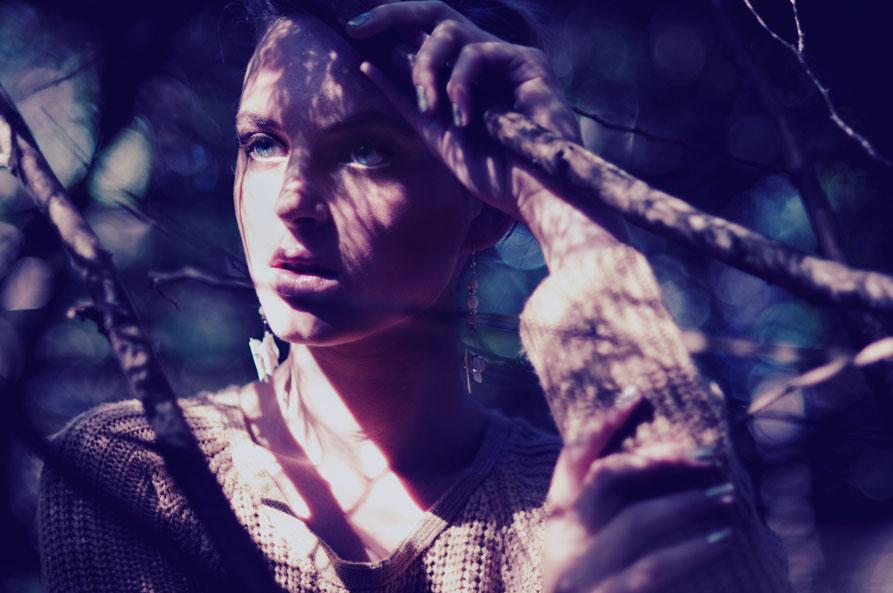 光影斑驳的美人 跟随时装摄影学拍梦幻人像 组图