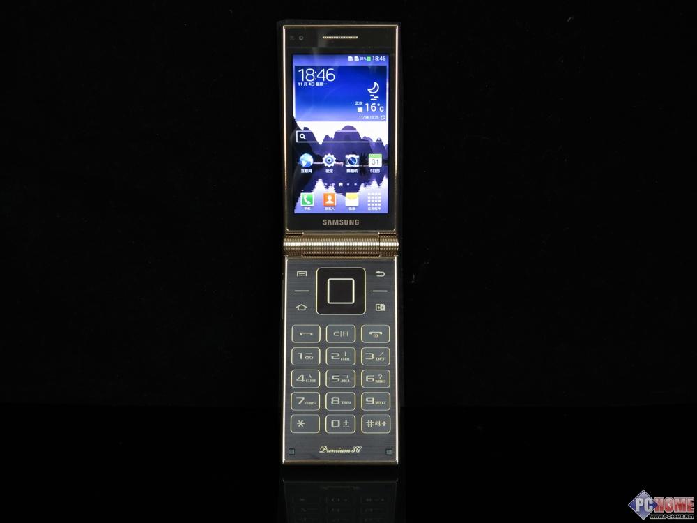 (中关村在线西安行情)三星W2014今日在商家新起点手机(天下汇店)处到货,报出了17600元的最新售价。该机配件为电池,充电器,耳机,数据线等。三星W2014是一款搭载骁龙800四核处理器的顶级商务翻盖智能手机。  三星W2014 三星W2014沿用了三星W系列经典的翻盖设计,整体造型和W2013相似,采用了双3.