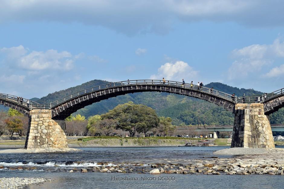 远观锦带桥拱形结构