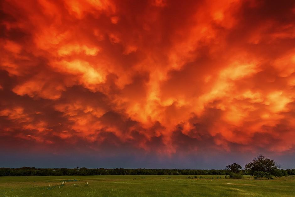 火红的天空