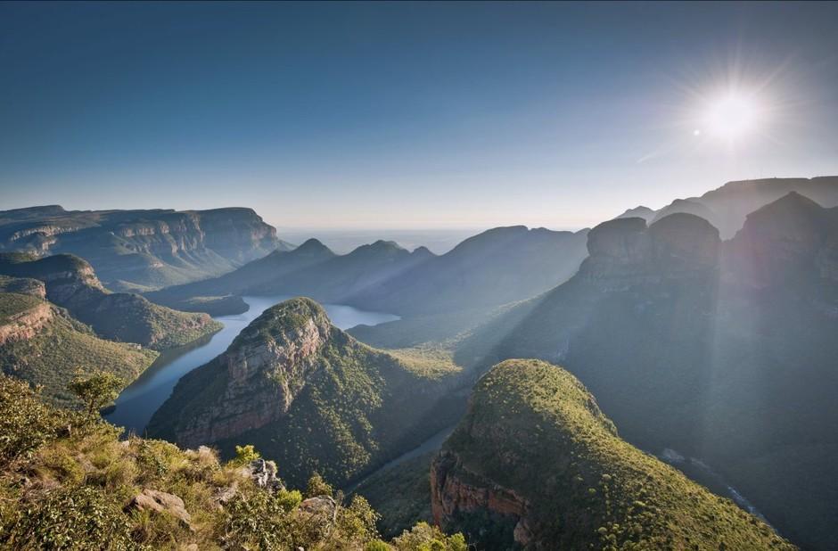 拍摄世界上最大的绿色峡谷