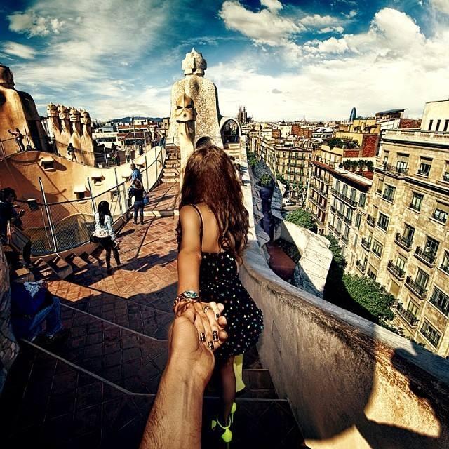大家还记得俄罗斯摄影师murad osmann的作品「被女友强拉着环游世界