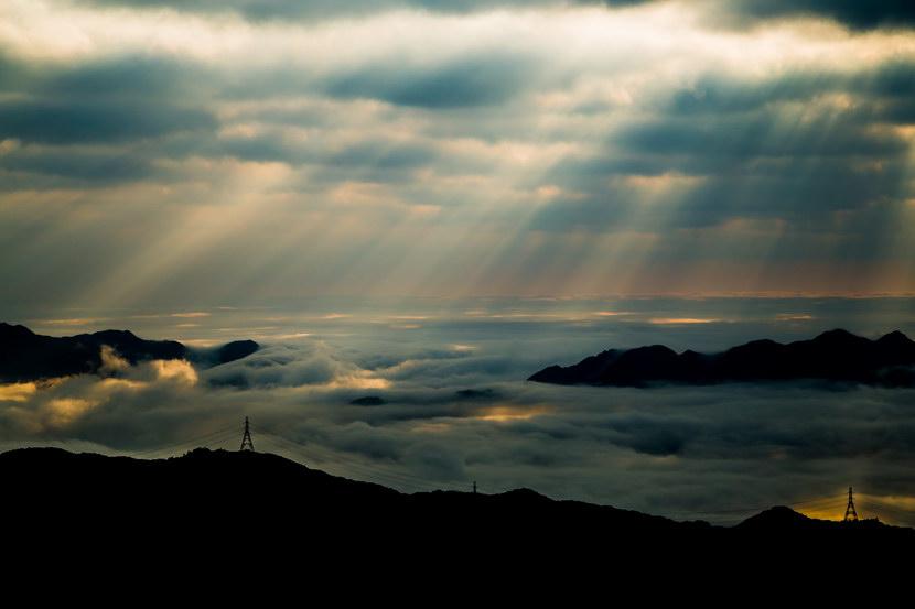 香港风景摄影梦幻地 大帽山云海与耶稣光 组图