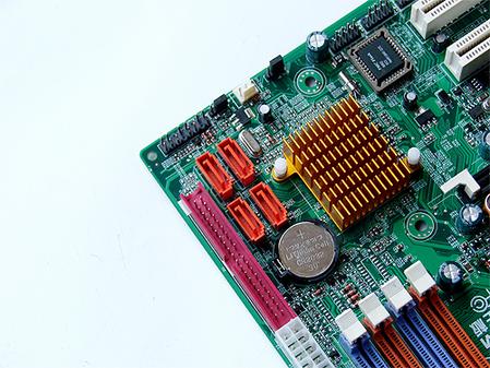 固态供电 致铭打造499元RS690新标准