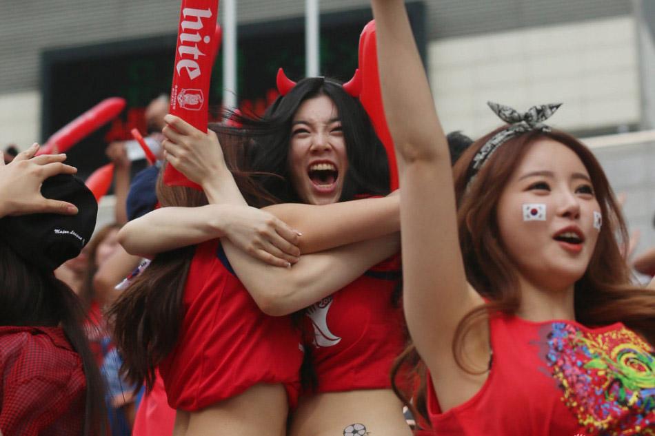 日韩美女床戏视频 日韩美女大胆床戏
