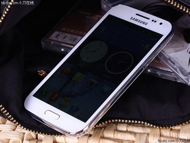 中端手机4.7寸三星I8558售价需1080元