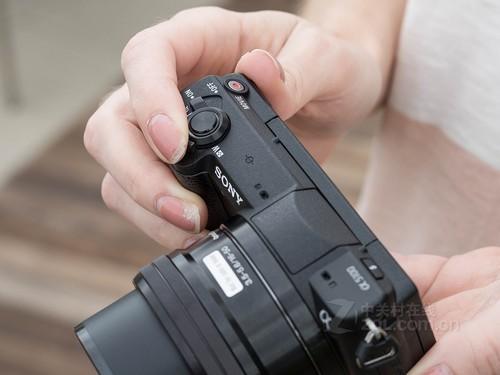 轻松拍照 索尼A5100套机重庆售3100元