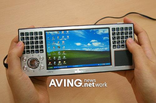 Wibrain推新款UMPC 外观更像游戏掌机