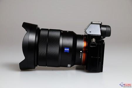 > 索尼 vario-tessar t* fe16-35mm f/4 za oss(sel1635z) 图片