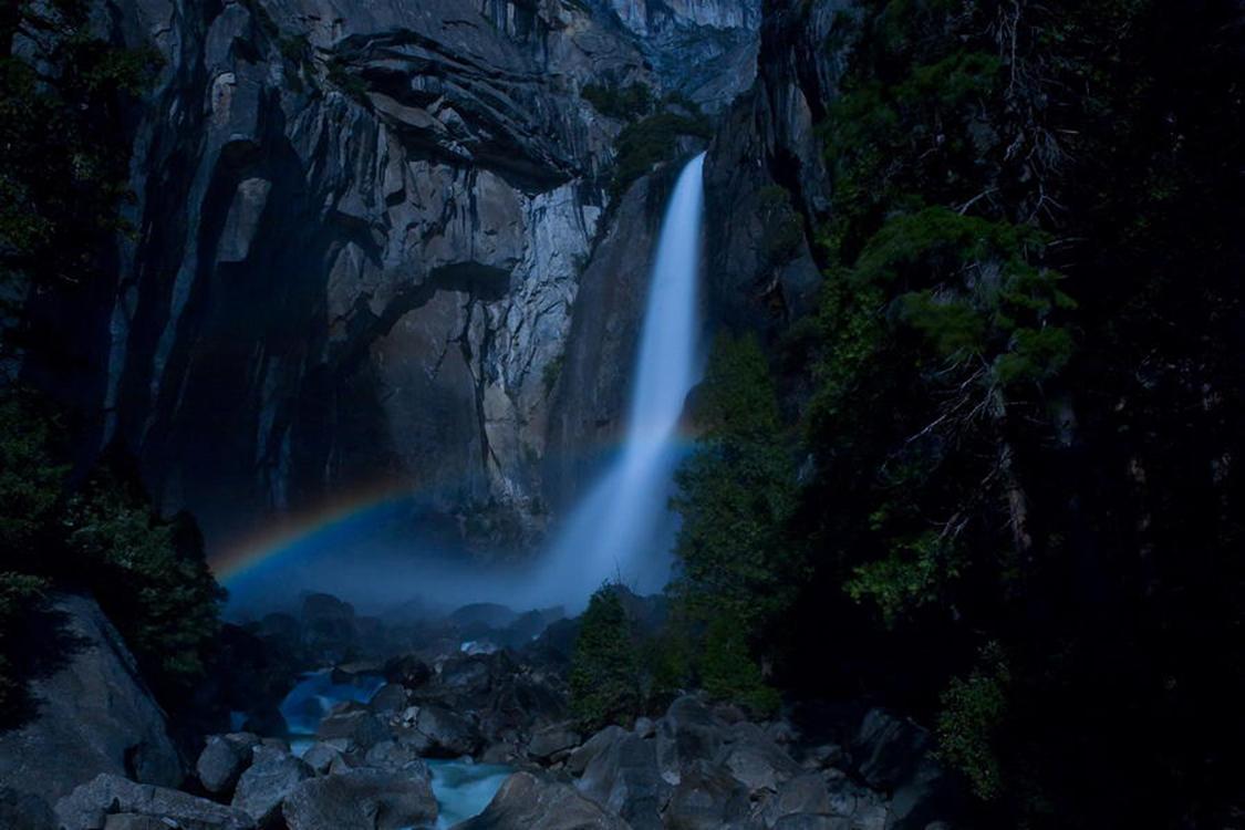 罕见的黑夜彩虹 看美图学习自然奇景的拍摄