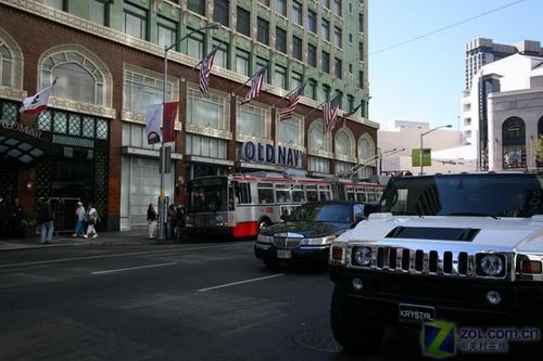 繁华的旧金山街道 悍马越野车图片