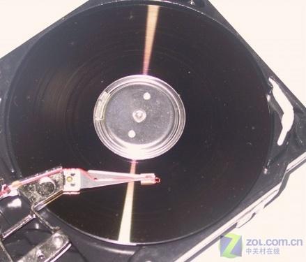 土老冒:感觉磁头就相当于留声机的唱针啊.   关闭之后,磁...