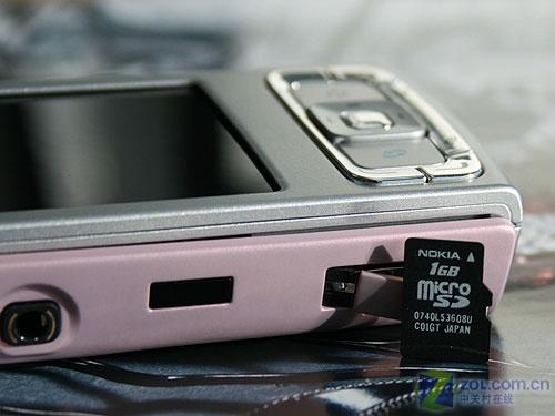 巾帼不让须眉 诺基亚N95粉色版真机图赏