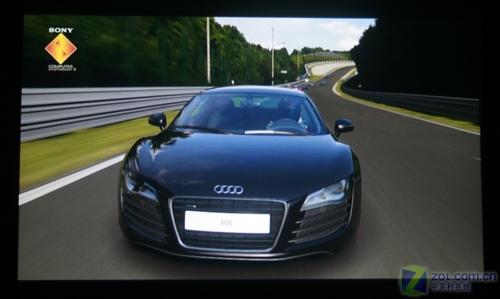 极速行驶的奥迪R8-雍容华贵的1080p 优派Pro8100全国首测高清图片