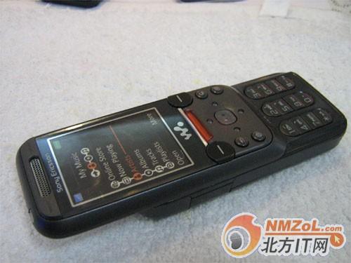 索爱W830c手机外观