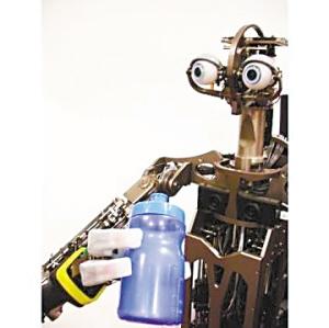 """美研制""""大眼机器人"""" 眼睛连12部计算机"""