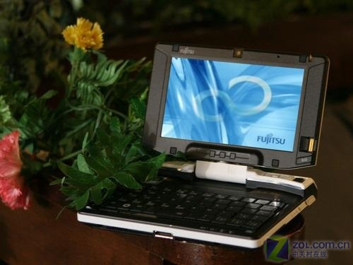 富士通旋转屏580克轻便UMPC现售7800元