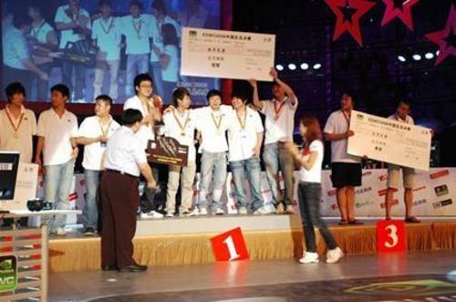 全力拼搏ESWC2008 wNv获得双料冠军