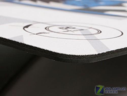 5c鼠标垫与去年发布的steelpad 5l鼠标垫有点类似,但这两款鼠标的构成