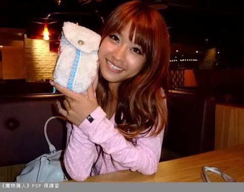 台湾知名电玩美女小娴还有她的闺房