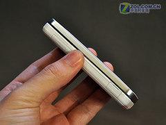 日系美屏滑盖手机 夏普6010C欲破2000