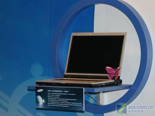 三星率先推出13.3寸至轻至强笔记本电脑