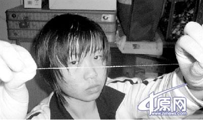 河南女生发明世界最细网线 带宽达100M
