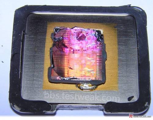 网友疯狂测试 解开i7处理器外壳看内部
