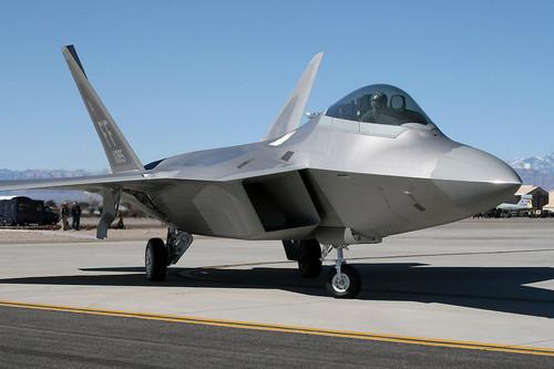 雷!淘宝上卖F22战机爆强提问引围观
