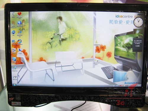 联想 C305经济型一体电脑屏幕 屏幕方面,联想C305经济型一体电脑采用20英寸高亮宽屏,显示比例16:9,最大支持1600900分辨率,黑白响应时间为5ms。同时,前后最大可进行20度左右的调节,方便使用者不同高度观看。另外,屏幕的上方配备了一颗130万像素的网络摄像头,方便视频应用。