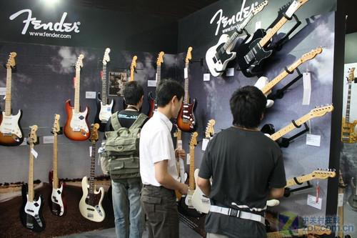 全球顶级电吉他品牌亮相