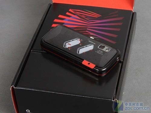 音乐手机也玩全键盘 诺基亚5730XM评测