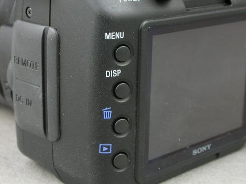 停产入门单反小涨 索尼A200涨至3300